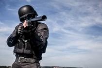 Absuelto un antidisturbios acusado de disparar una pelota de goma que impactó en un ojo de un manifestante