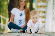 Las familias monoparentales tendrán derecho a dos semanas más en caso de parto, adopción o acogimiento múltiple o hijo con discapacidad