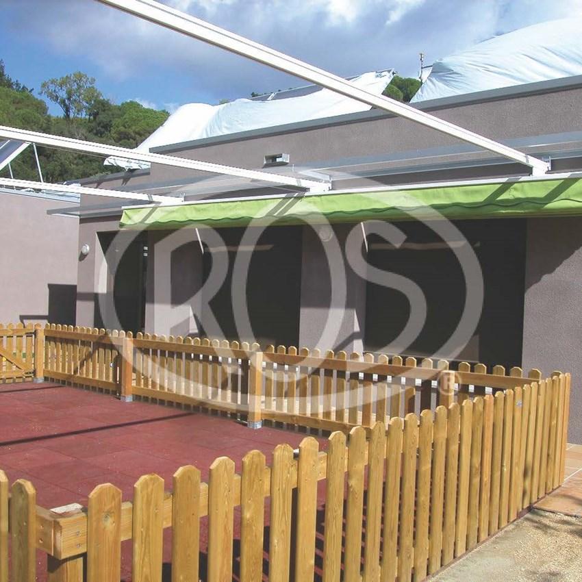 Jardín en escola Bressol - Toldos ROS