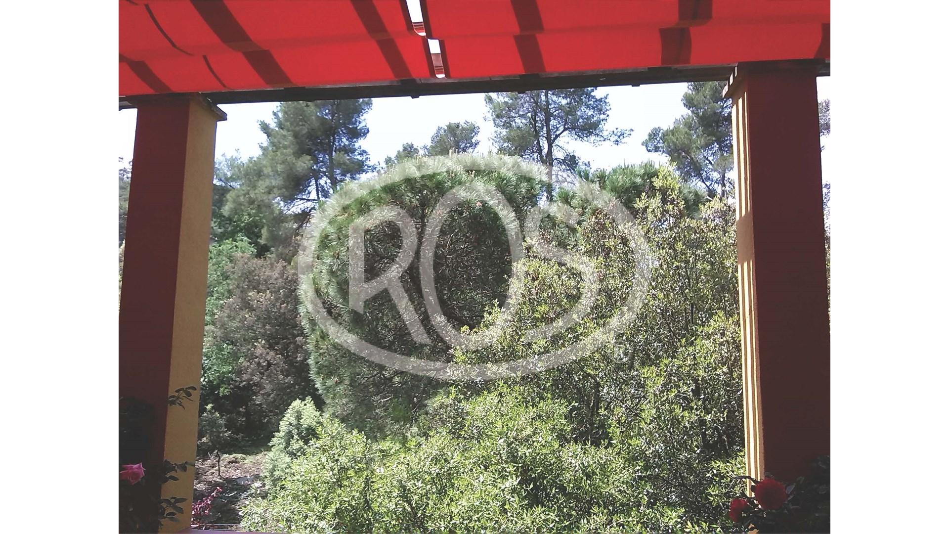 Jardín particular en La Floresta - Toldos ROS
