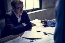 Computa a efectos de antigüedad el periodo de aprendizaje en la empresa pese a una interrupción de dos meses en la contratación