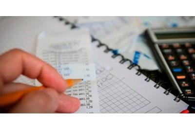 ¿Cuáles son los plazos de expedición y envío de facturas?