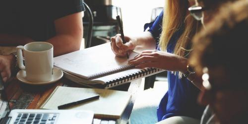 El contrato para becarios: convenio de prácticas para estudiantes