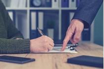 La DGT aclara la existencia de uno o dos pagadores a efectos de IRPF en caso de subrogación empresarial.