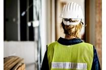 Infracción normas seguridad: La suspensión del procedimiento administrativo se alza cuando el proceso penal termina sin sanción.