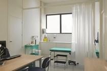 TS: La residencia temporal de familiar de la Unión no da derecho automático a asistencia sanitaria