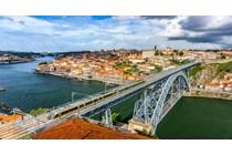 La DGT aclara cuando un trabajador que reside en España pero trabaja en Portugal puede solicitar devolución de retenciones.