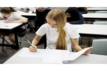Vulnera el derecho a la educación la no adaptación del horario para la obtención de un título académico