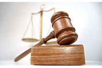 Se declara la inconstitucionalidad y nulidad del art. 294.1 de la LOPJ