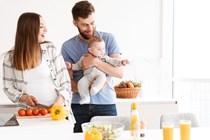 Tributos equipara la exención en el IRPF de la prestación por maternidad a las de paternidad y empleados públicos.