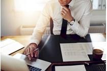 Se prepara un formulario de inscripción en el Registro Mercantil de profesionales que prestan servicios a sociedades